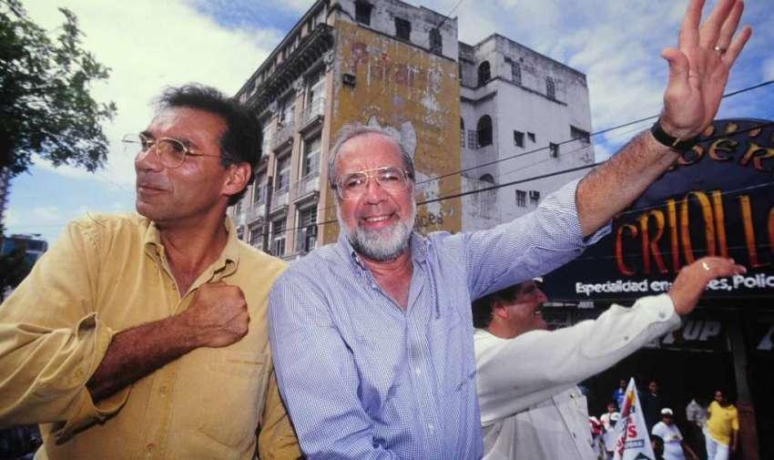 Gustavo Noboa con Jamil Mahuad 1998