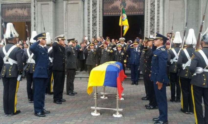 Sixto Durán Ballén fue sepultado con honores militares 2016