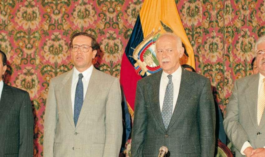 Sixto Durán Ballén reúne a los ex mandatarios durante el combate del Cenepa