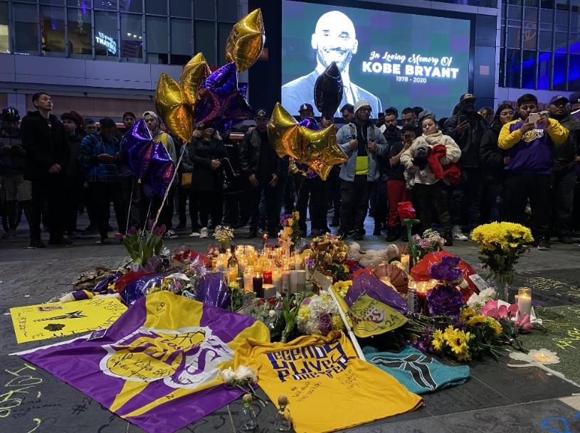 La leyenda del baloncesto Kobe Bryant falleció este 26 de enero tras un accidente aéreo. Foto: AFP