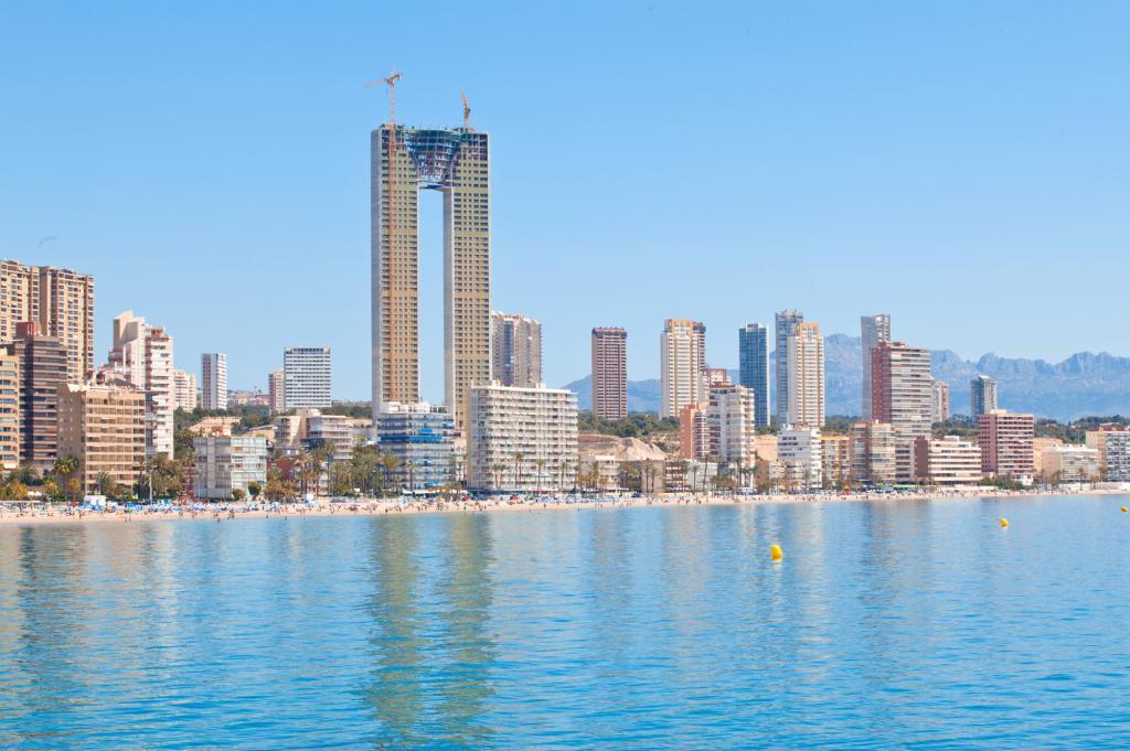 arquitectos espaoles construyen el edificio residencial ms alto de europa sin ascensor