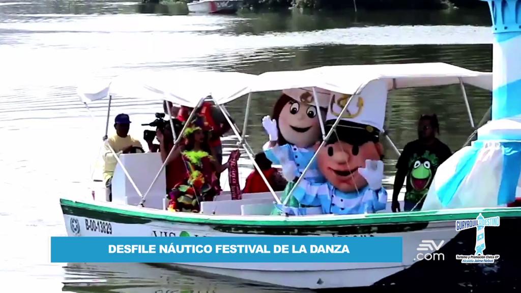 El desfile náutico 'Guayaquil Destino Internacional', mostró también embarcaciones alegóricas de diferentes países.