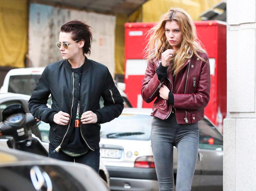 Kristen stewart es sorprendida con su nueva novia ecuavisa la actriz de 26 aos fue fotografiada en miln junto a una modelo de victorias secret kristen stewart altavistaventures Gallery