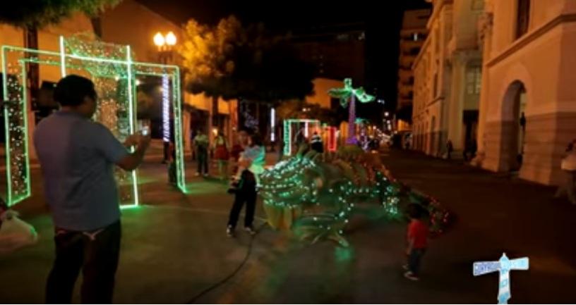 Un espectacular show marcó el inicio de esta fecha tan especial para Guayaquil.