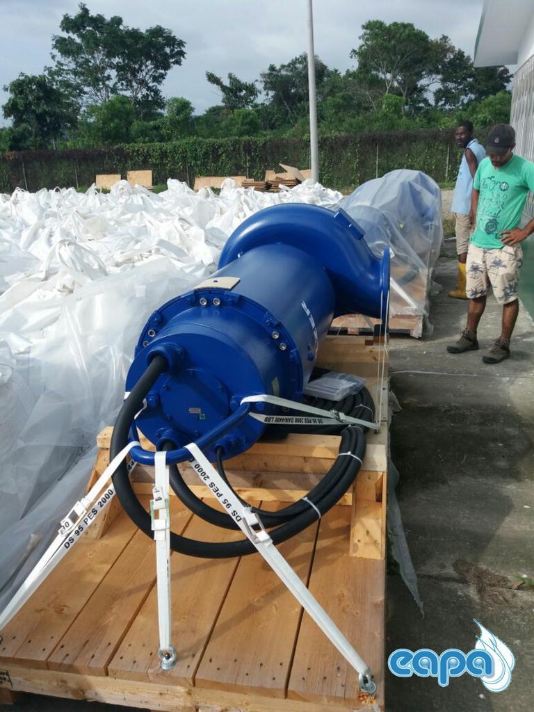 Esmeraldas: se instala equipo para reanudar servicio de agua   Ecuavisa