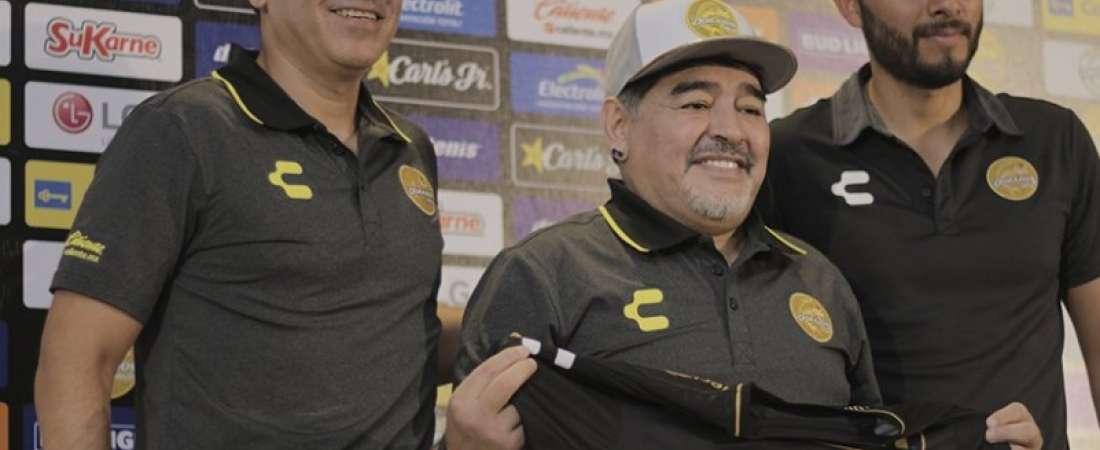 El exfutbolista argentino fue presentado como entrenador del equipo mexicano. Foto: @Dorados