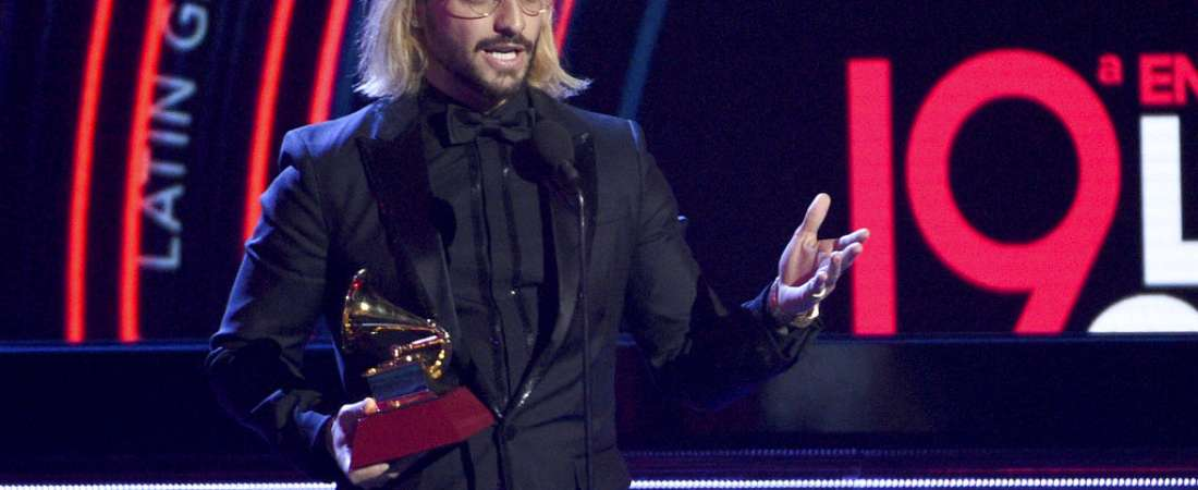 "Maluma recibe el premio al mejor álbum pop vocal contemporáneo por ""F.A.M.E."". Foto: AP."