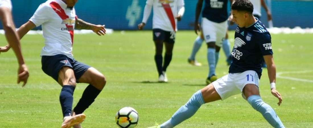 QUITO, Ecuador.- Jefferson Intriago (izquierda) y Joao Rojas jugaron como titulares en este duelo. Foto: API