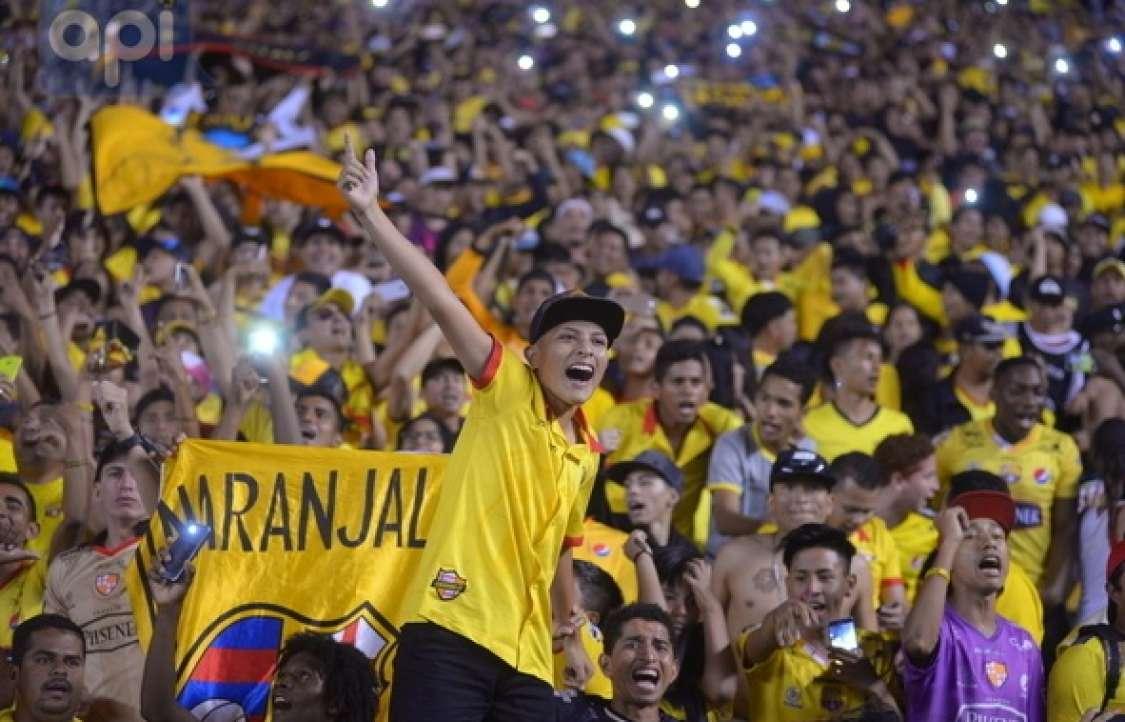 GUAYAQUIL, Ecuador.- Más de 37 mil personas acudieron al estadio Monumental. Foto: API