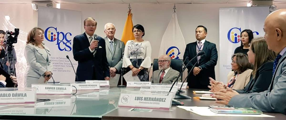 QUITO, Ecuador.- Consejo transitorio posesionó a nuevos vocales de Judicatura. Merlo dijo que cortará corrupción. Foto: Twitter