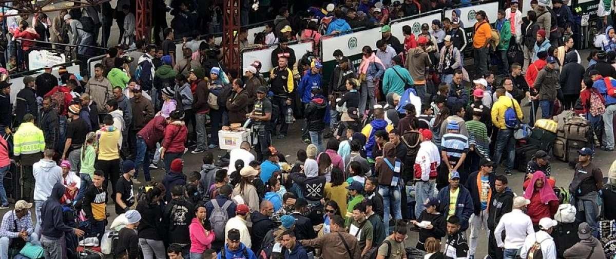 Desde las 00H00, los ciudadanos de Venezuela solo podrán ingresar al país con su pasaporte. Foto: @jcarlosaizprua