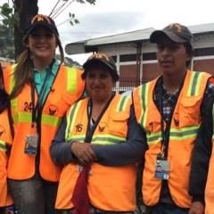 QUITO.- Dallyana vivió una jornada junto a los miembros de este grupo comunitario. Foto: Cortesía Dallyana Passailaigue.