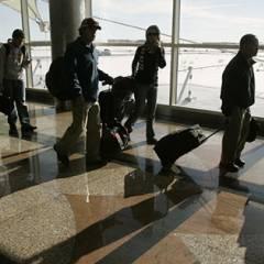 """LOS ÁNGELES, EE.UU.- """"Está prohibido el tráfico en el ala oeste de la terminal. La zona este sigue abierta a los pasajeros"""", de acuerdo con uno de los mensajes. Foto: RT."""