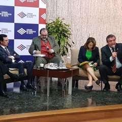 QUITO, Ecuador.- A este foro asistieron 2 asambleístas de Alianza PAIS (AP), Pabel Muñoz y Soledad Buendía, y 2 de oposición, Luis Fernando Torres y Patricio Donoso. Foto: Twitter CCQuito.