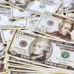 La mayoría va para créditos productivos, le siguen los préstamos de consumo. Foto referencial / Internet