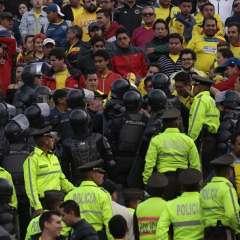 Los incidentes suscitados en el partido entre Ecuador y Colombia derivó en una sanción económica para la FEF. Foto: API.