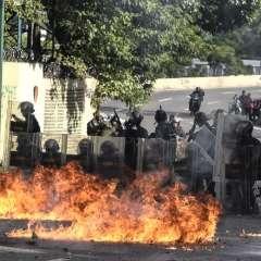 Legislador de CREO planteó solicitud en rechazo a crisis que se vive en ese país sudamericano. Foto: AFP