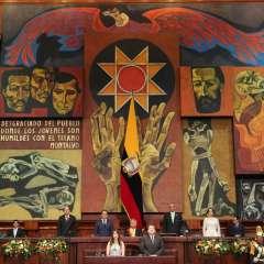 QUITO, Ecuador.- Según el presupuesto del Estado, solo en sueldos para el sector público, el Gobierno gastó en 2016, $ 8.789 millones. Foto: Flickr Presidencia.
