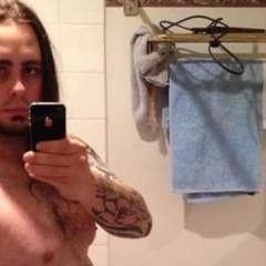 Michael Jeffries pesaba 107 kilos y en pocos meses logró una figura atlética. Foto: Facebook