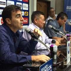 Gustavo Quinteros (i.) convocó a 25 jugadores para los dos partidos amistosos de la 'Tri'. Foto: API
