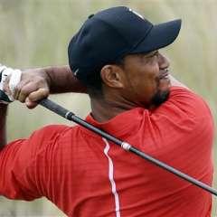 Tiger Woods salió de la cárcel tres horas después d ehaber ingresado a la misma. Foto: AP