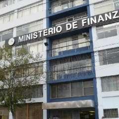 QUITO, Ecuador.- La Contraloría General del Estado ratificó una deuda del Gobierno central por $2.800 millones con el IESS. Foto: Archivo