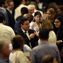 El nuevo canciller venezolano Samuel Moncada (C) es visto en la ceremonia de clausura de la 47ª Asamblea General de la Organización de Estados Americanos (OEA) en Cancún, México. Foto: AFP