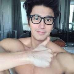 El aspecto de este modelo singapurense no da ninguna pista que ayude a adivinar su verdadera edad. Foto: Instagram