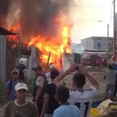Cuerpo de Bomberos local presentará un informe que explique las causas del siniestro. Foto: Captura Video.