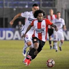 El ecuatoriano Christian Alemán fue titular en la derrota de su equipo en la Sudamericana.