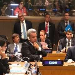 Naciones Unidas debió hacer modificaciones en el atril para el discurso oficial del presidente Moreno. Foto: Cancillería