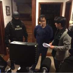 QUITO, Ecuador.- El 22 de septiembre la Fiscalía y la Policía realizaron allanamientos en 3 sectores de Quito por el caso en contra de Esteban P. y su socio. Foto: Twitter Fiscalía Ecuador.