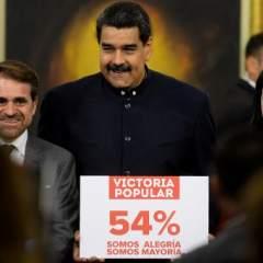 El presidente venezolano Nicolás Maduro ofreció el 17 de octubre de 2017 una rueda de prensa con corresponsales extranjeros, en la cual defendió los resultados de los comicios recientes para gobernador y en los que se impuso el oficialismo, algo que no reconoce la oposición. Foto: AFP