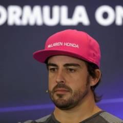 El piloto español firmó contrato por un año más. Foto: AFP