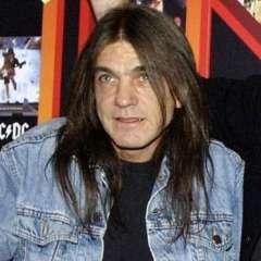 Young fue coautor de gran parte del material del grupo.