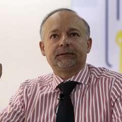 QUITO; Ecuador.- Espinosa acudió a entregar documentación a la Asamblea Nacional, sin dar declaraciones a la prensa por este tema. Foto: Archivo.