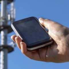 Las antenas de teléfonos móviles transmiten una dirección única que está encriptada.