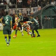 Los 'albos' ganaron 2-1 al Técnico Universitario en el estadio Bellavista de Ambato. Foto: API