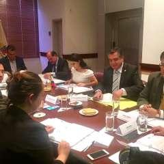 Presidente de Asamblea dio el plazo al solicitante del juicio, Roberto Gómez, de CREO. Foto: Archivo Twitter Verónica Arias