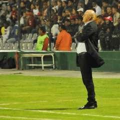 El entrenador 'albo' aseguró que no se puede complacer a todos. Foto: API/Archivo