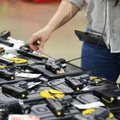 Presidente de EE.UU. insiste en armar a docentes para evitar tiroteos en escuelas. Foto: AFP