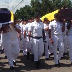 Llegaron a Guayaquil los cuerpos de dos miembros de la Infantería de Marina. Foto: Armada