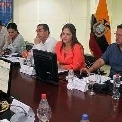 La vicepresidenta de la República, María Alejandra Vicuña, lidera el encuentro. Foto: Vicepresidencia