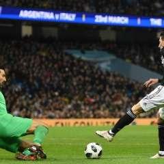 Sin la presencia de Messi, Argentina se impuso a la selección italiana en el Etihad Stadium.