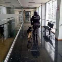 QUITO, Ecuador.- Personal del Grupo de Intervención y Rescate (GIR) realizan inspecciones en las instalaciones. Foto: cortesía