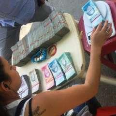 Los cambistas colombianos niegan especular con la moneda venezolana.Foto: Boris Miranda