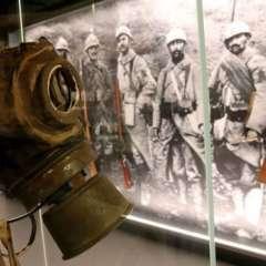 Una máscara de gas en el Museo de la Guerra y la Paz.