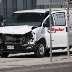 Arrestan a conductor de camioneta que atropelló a peatones en Toronto. Foto: AFP