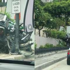 El percance vial causó que se cerrara un carril de la av. Menéndez Gilbert. Fotos: Twitter