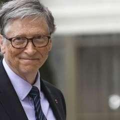 Bill Gates es un amante de la lectura y comparte sus recomendaciones literarias en su blog.